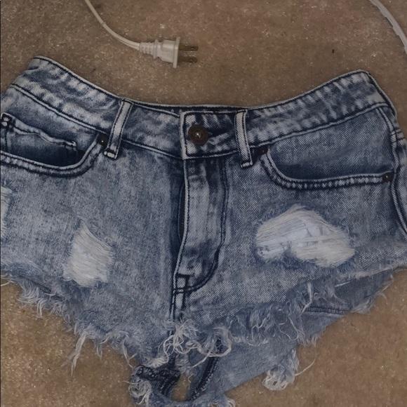 Bullhead Pants - Bullhead ripped shorts